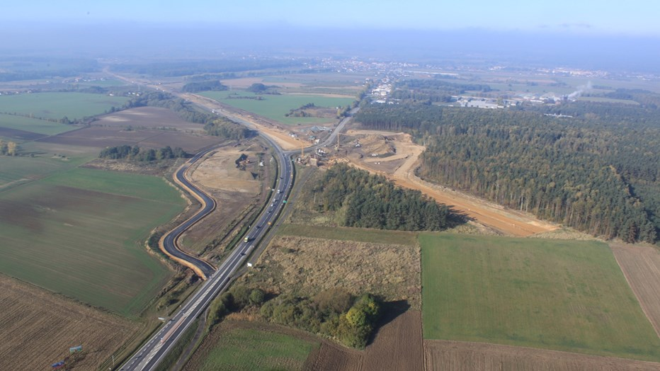 Construction of the road S-8 between Wroclaw-Psie Pole-Sycow